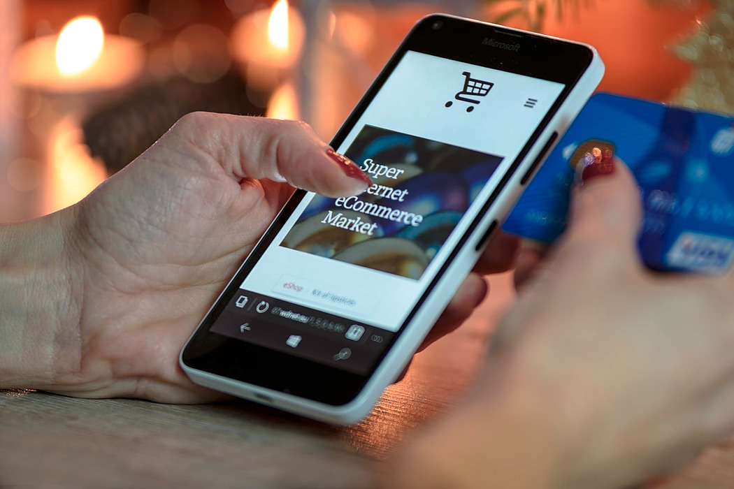 /things-developers-should-know-when-building-a-b2b-ecommerce-app-ydsl28j3 feature image