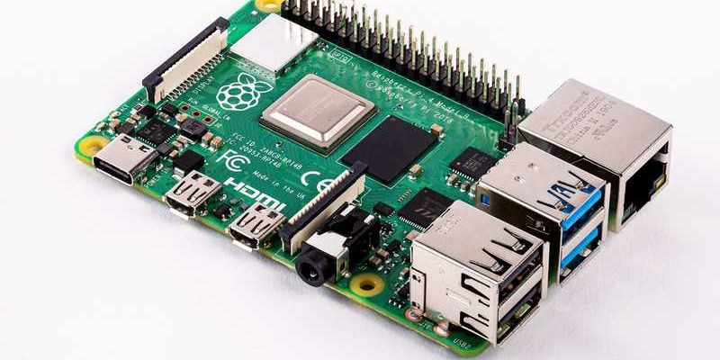 /raspberry-pi-4-what-is-it-and-how-can-you-use-it-jw26e30kb feature image