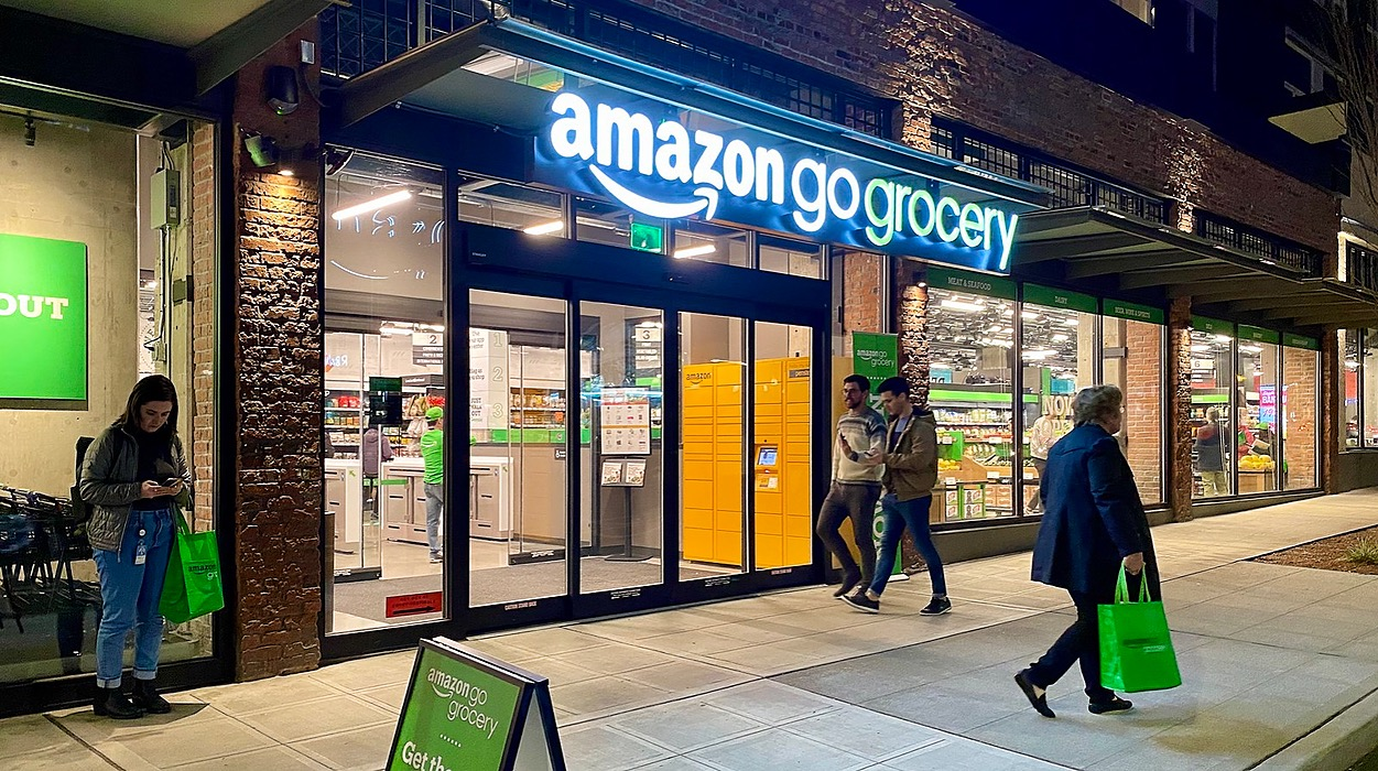 /experiencing-seattles-amazon-go-grocery-n0sy32gc feature image