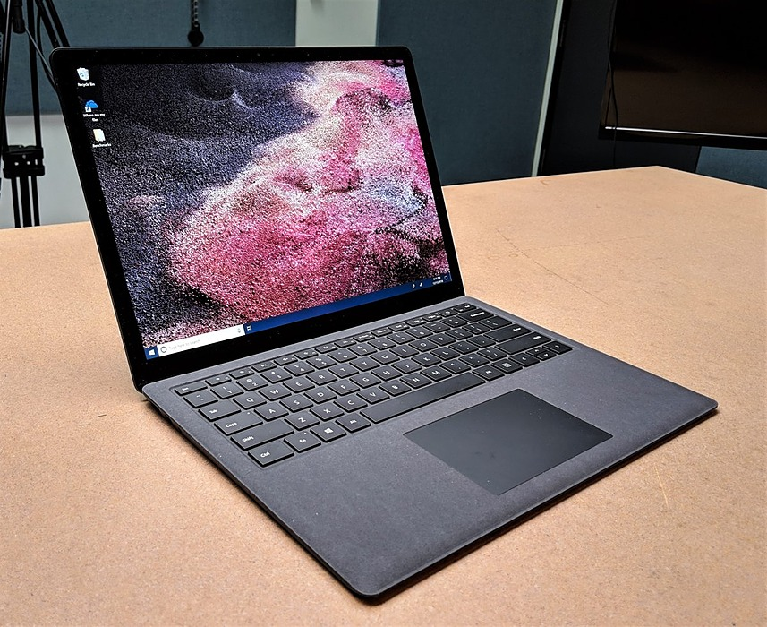 /new-microsoft-surface-laptop3-why-is-it-best-for-the-student-js273z4n feature image
