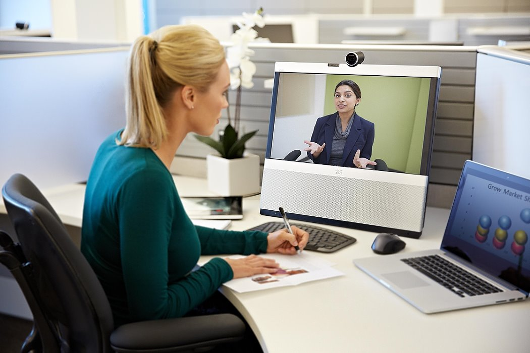 /how-to-behave-during-video-calls-9-rules-for-communicating-with-colleagues-kt2l3y93 feature image