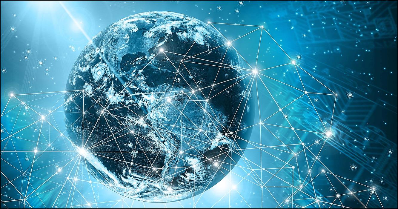 /the-battle-over-decentralized-internet-qsi936ri feature image