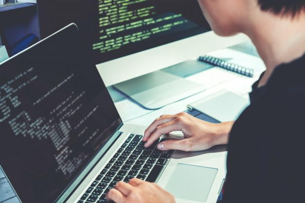 /the-4-best-programming-languages-to-learn-in-2020-7j2nn2gxn feature image