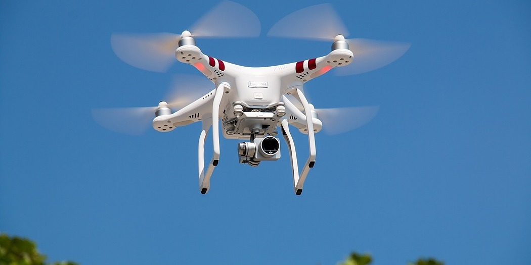 /how-drones-are-transforming-big-data-analytics-gszq30tr feature image
