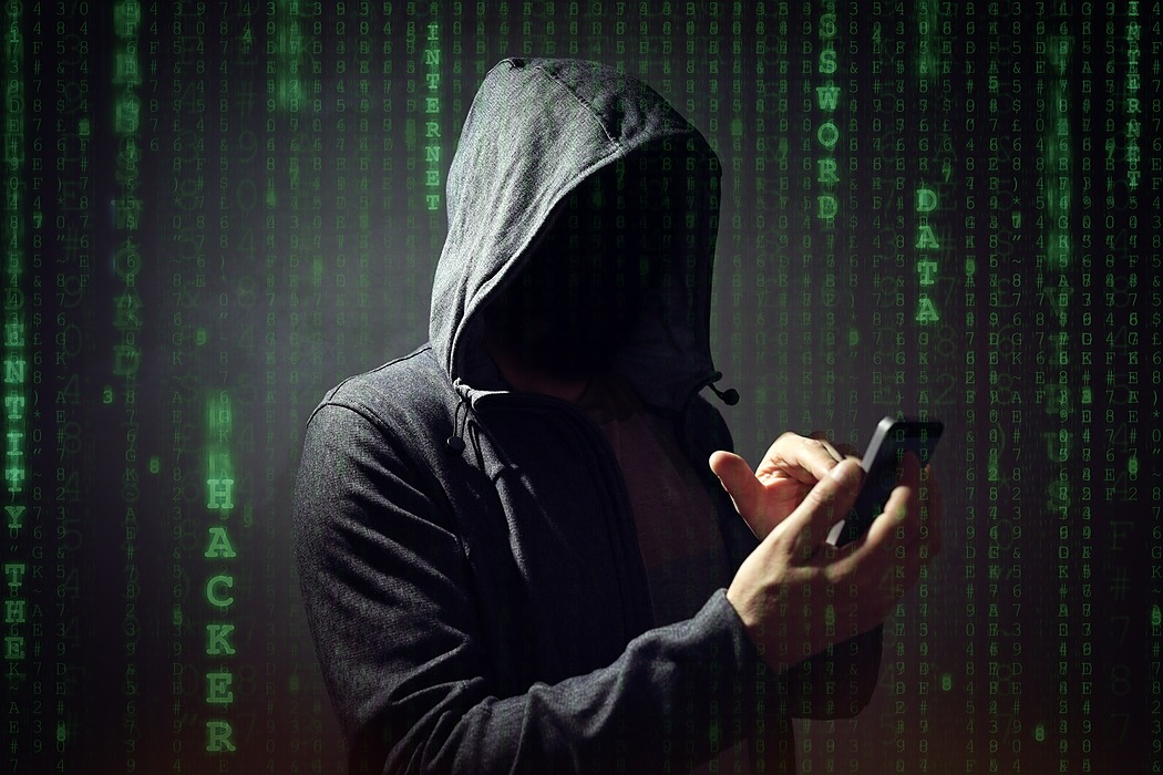 /4-signs-you-make-it-easy-for-someone-to-hack-you-mt233yuq feature image