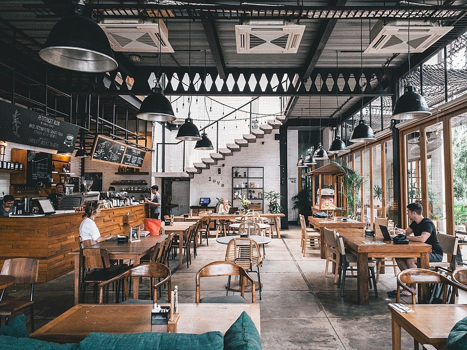 /your-guide-to-successful-online-reputation-management-for-restaurants-zd833yir feature image
