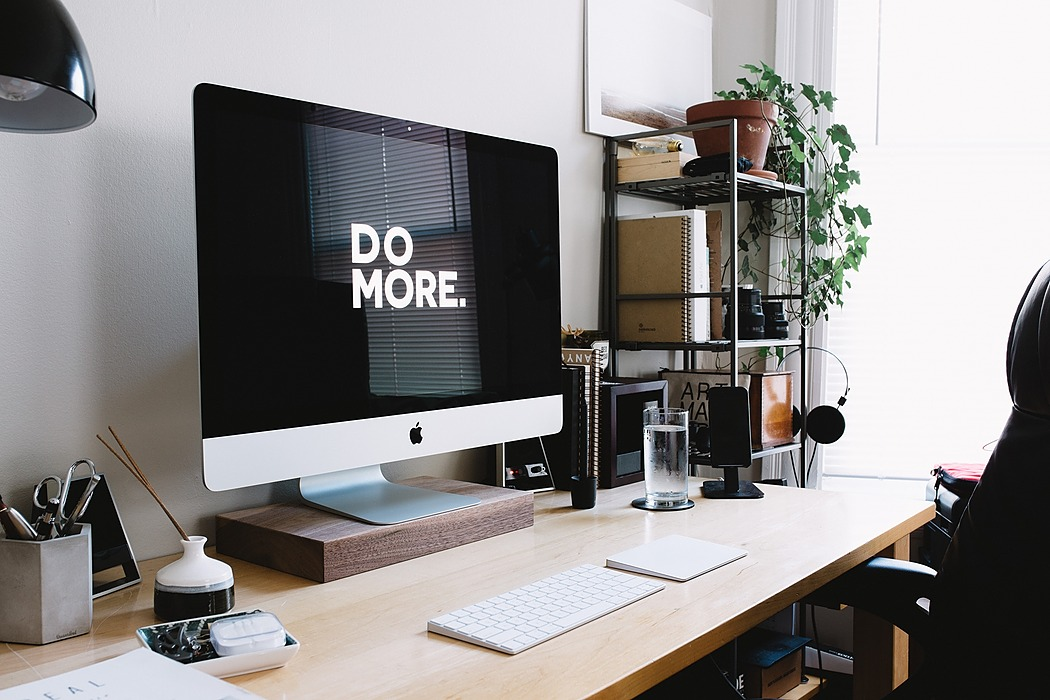/the-top-10-productivity-apps-to-help-make-2020-the-best-year-of-your-life-bk1j32lg feature image