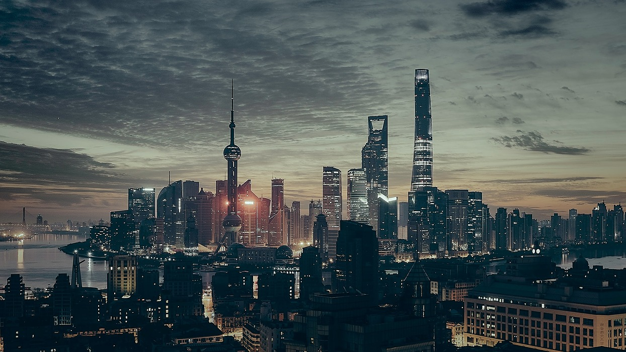 /8-business-opportunities-emerging-in-china-at-this-point-in-the-pandemic-m0cv3wom feature image