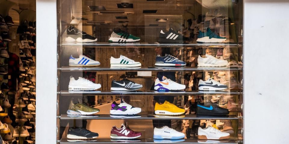 /a-visual-merchandising-strategy-through-price-segmentation-a-tips-for-the-a-good-implementation-qt5w380m feature image