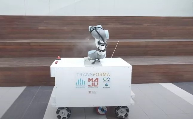 /fighting-coronavirus-singapore-tests-a-disinfection-robot-that-capable-of-cleaning-large-areas-8p793yrk feature image