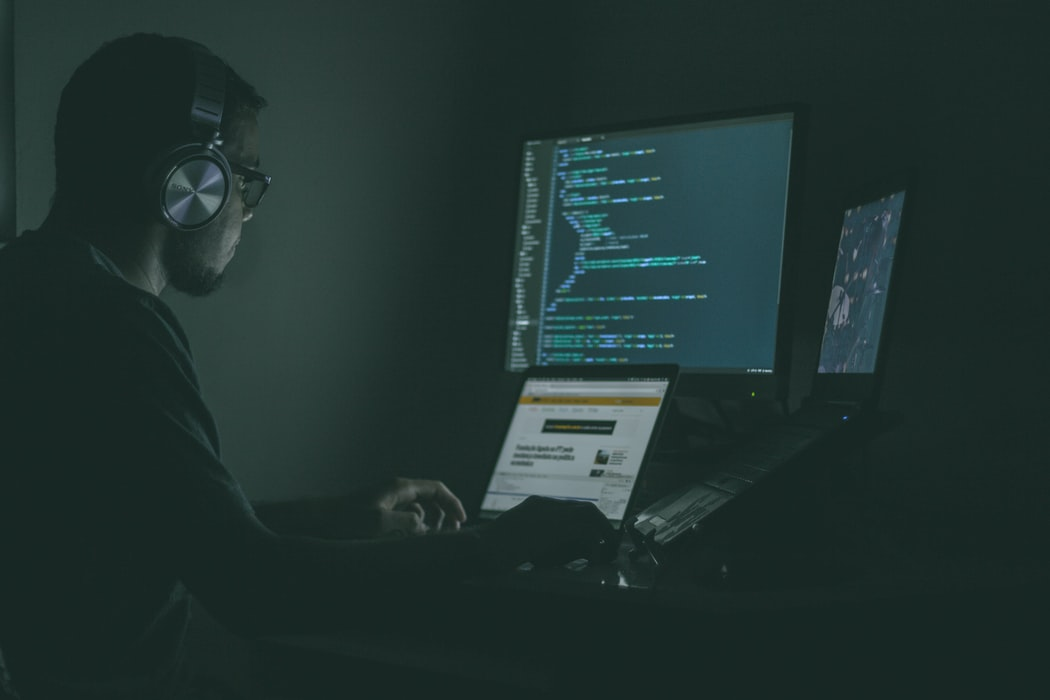 /education-of-a-programmer-why-it-should-not-be-same-as-other-professions-r15h3yvu feature image