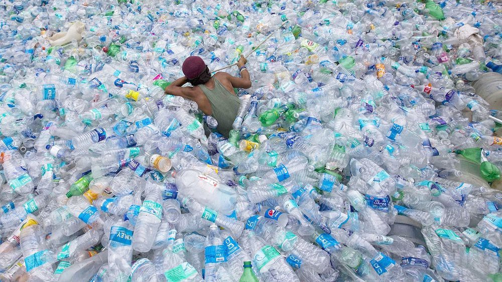/how-we-can-easily-stop-plastic-waste-now-16107096a841 feature image