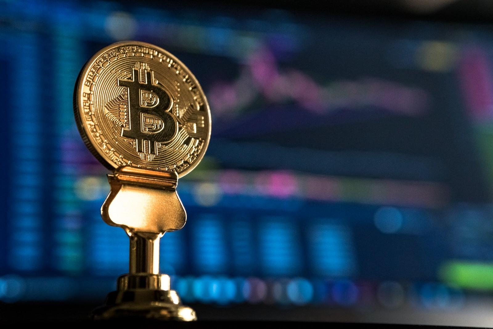 /bitcoin-crypto-trading-fx-brokers-comeback-16ba516263b9 feature image
