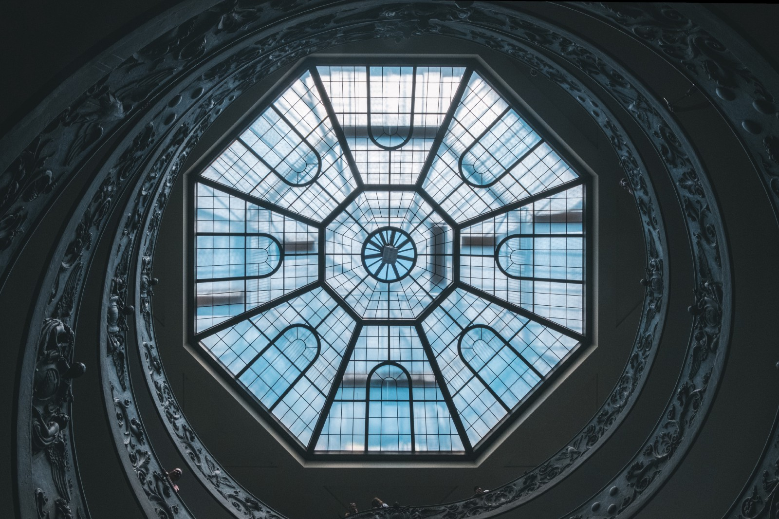 /hexagonal-architecture-with-kotlin-ktor-and-guice-f1b68fbdf2d9 feature image