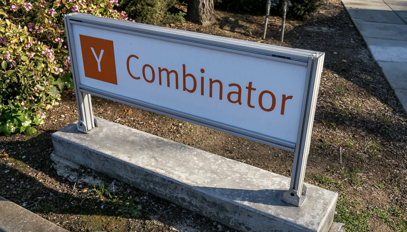 /the-ultimate-guide-to-ycombinator-interview-preparation-8372628154c3 feature image