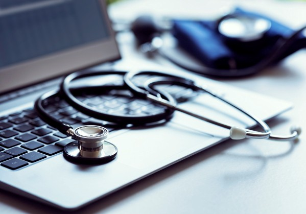 /how-to-ensure-hipaa-compliance-using-aws-ad00ec5dfd feature image