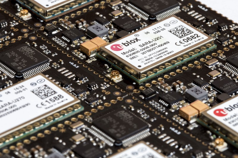 /the-ultimate-guide-to-starting-your-first-iot-project-8b0644fbbe6d feature image