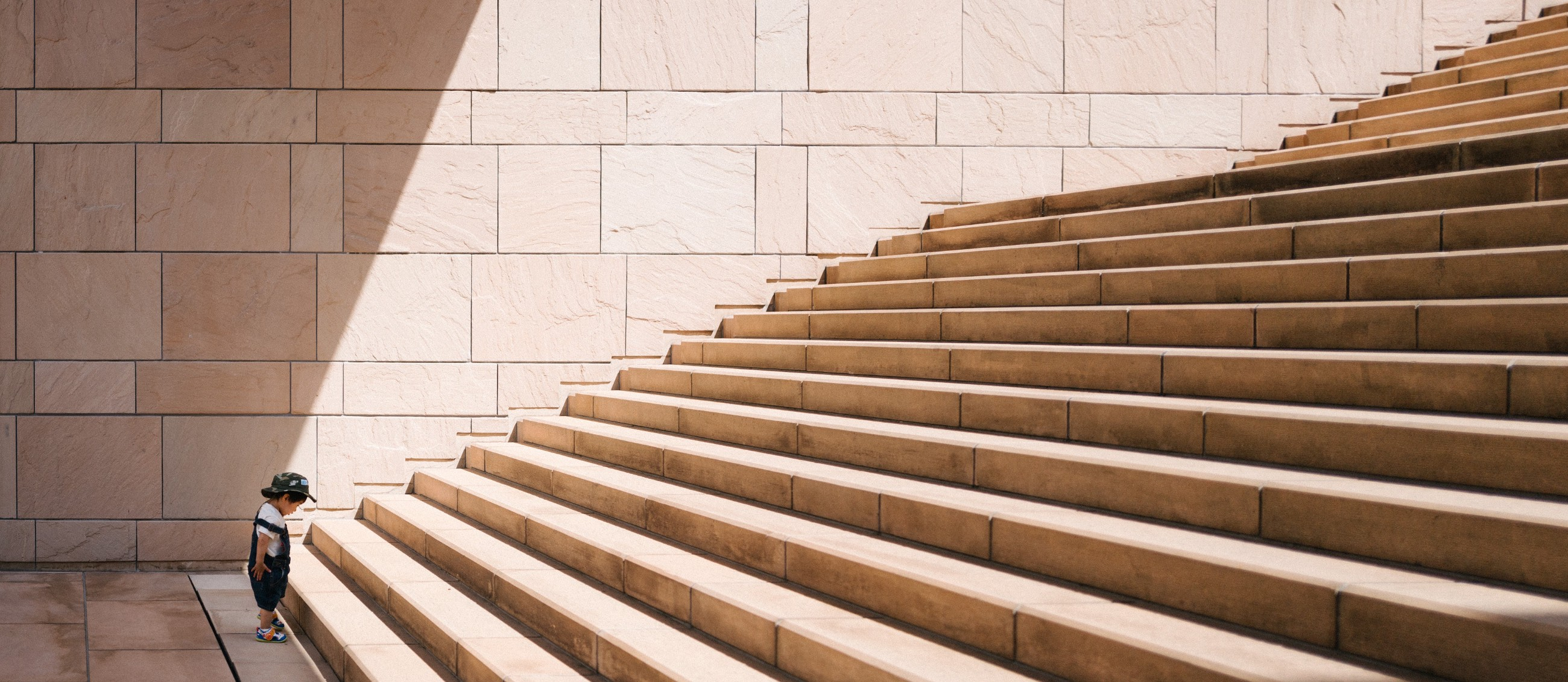 /how-to-build-a-scalable-customer-success-strategy-578b160179c feature image