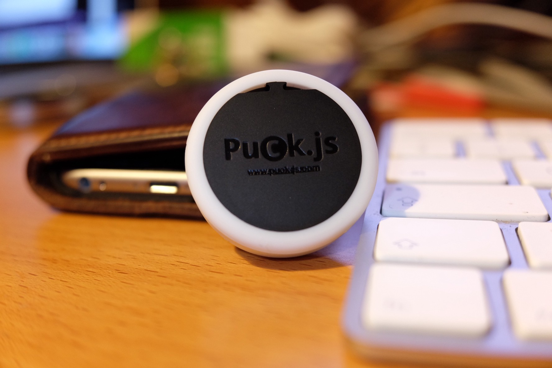 How I Hacked Puck js Into a Bluetooth PowerPoint Presenter