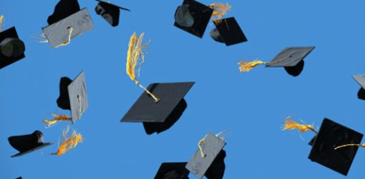 /first-school-canada-diploma-credentials-blockchain-127a20403076 feature image