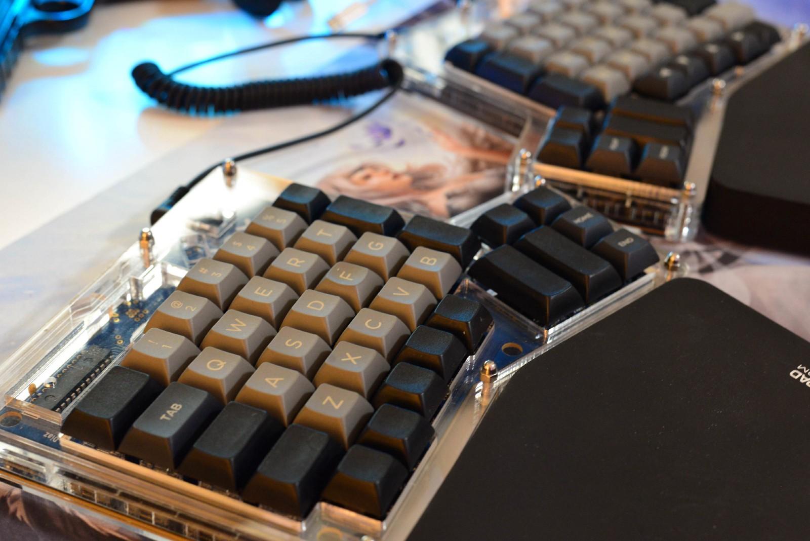 /mechanical-and-custom-built-keyboards-6343820da70d feature image