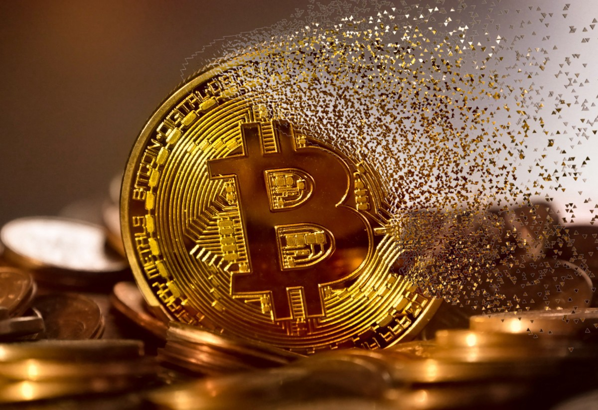 /have-the-bitcoin-prices-bottomed-out-or-are-we-going-to-see-new-lows-before-the-end-of-this-bear-f9e71101127e feature image