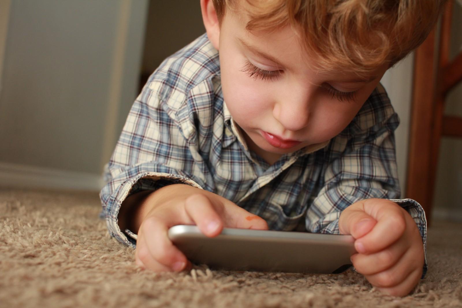 /tech-a-i-kids-a-dangerous-mix-78af371b7f6a feature image