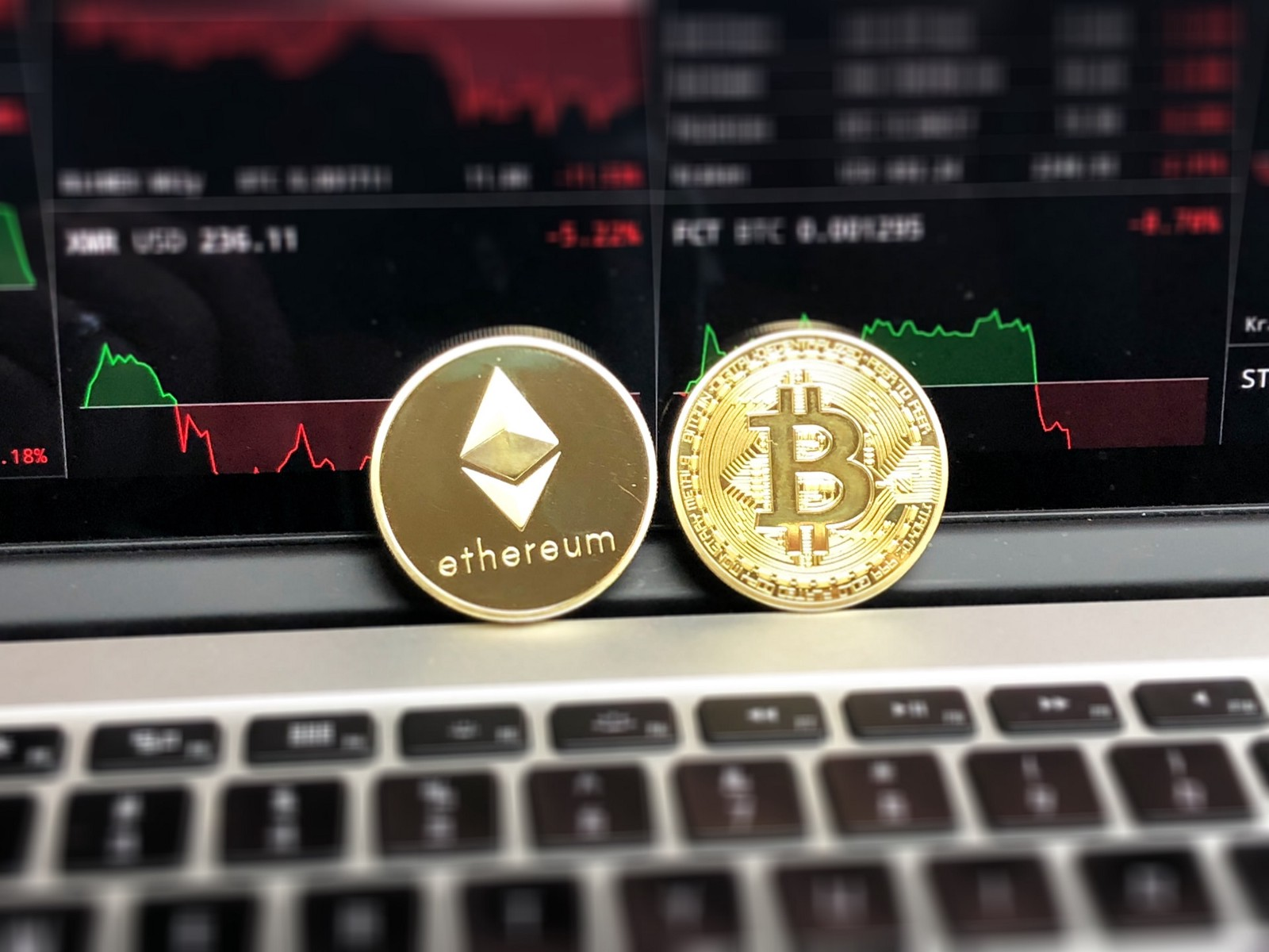 /how-to-class-cryptocurrencies-in-your-investment-portfolio-57d08901e70a feature image