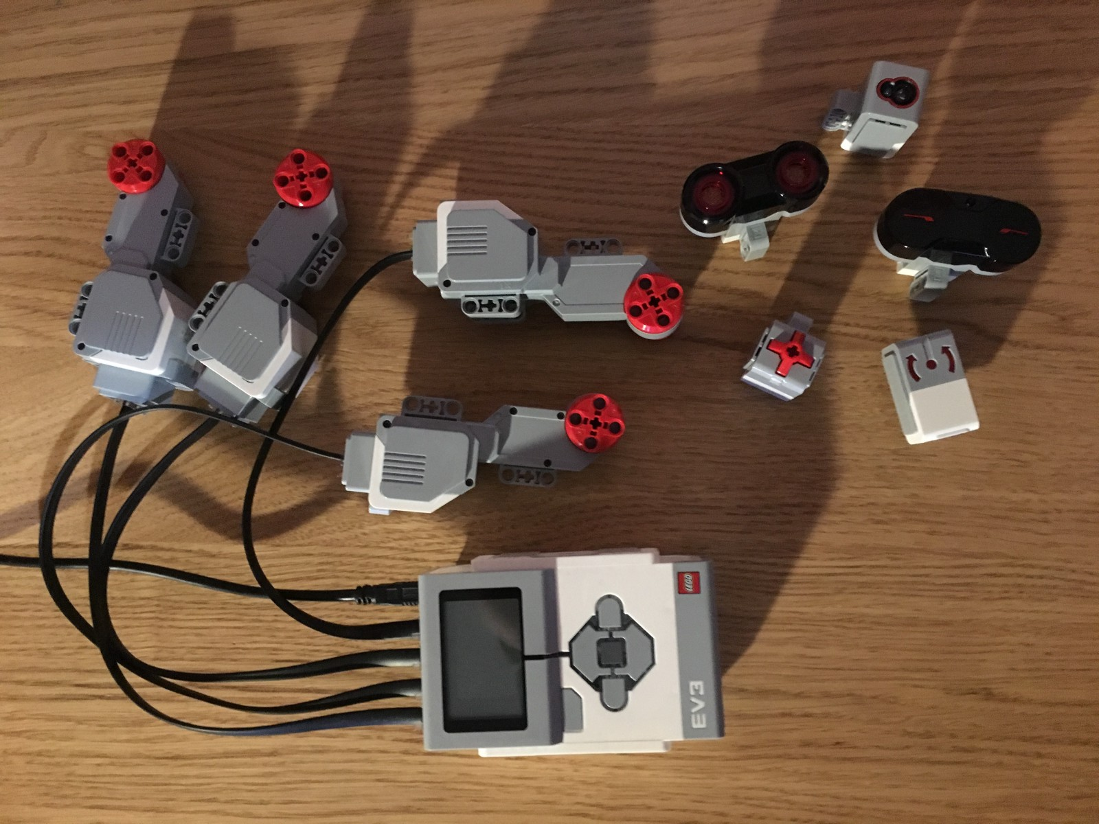 Create Lego Mindstorms Robots with Swift — Robotary Review - By