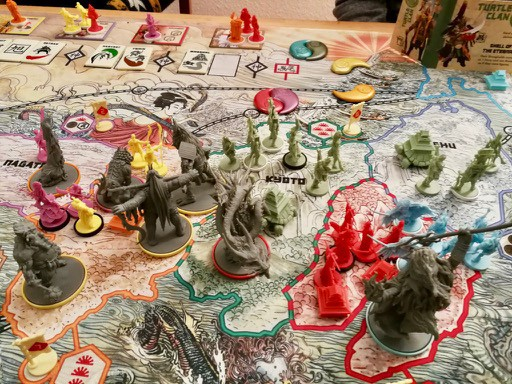 /why-programmers-should-play-boardgames-919d0d226c7c feature image