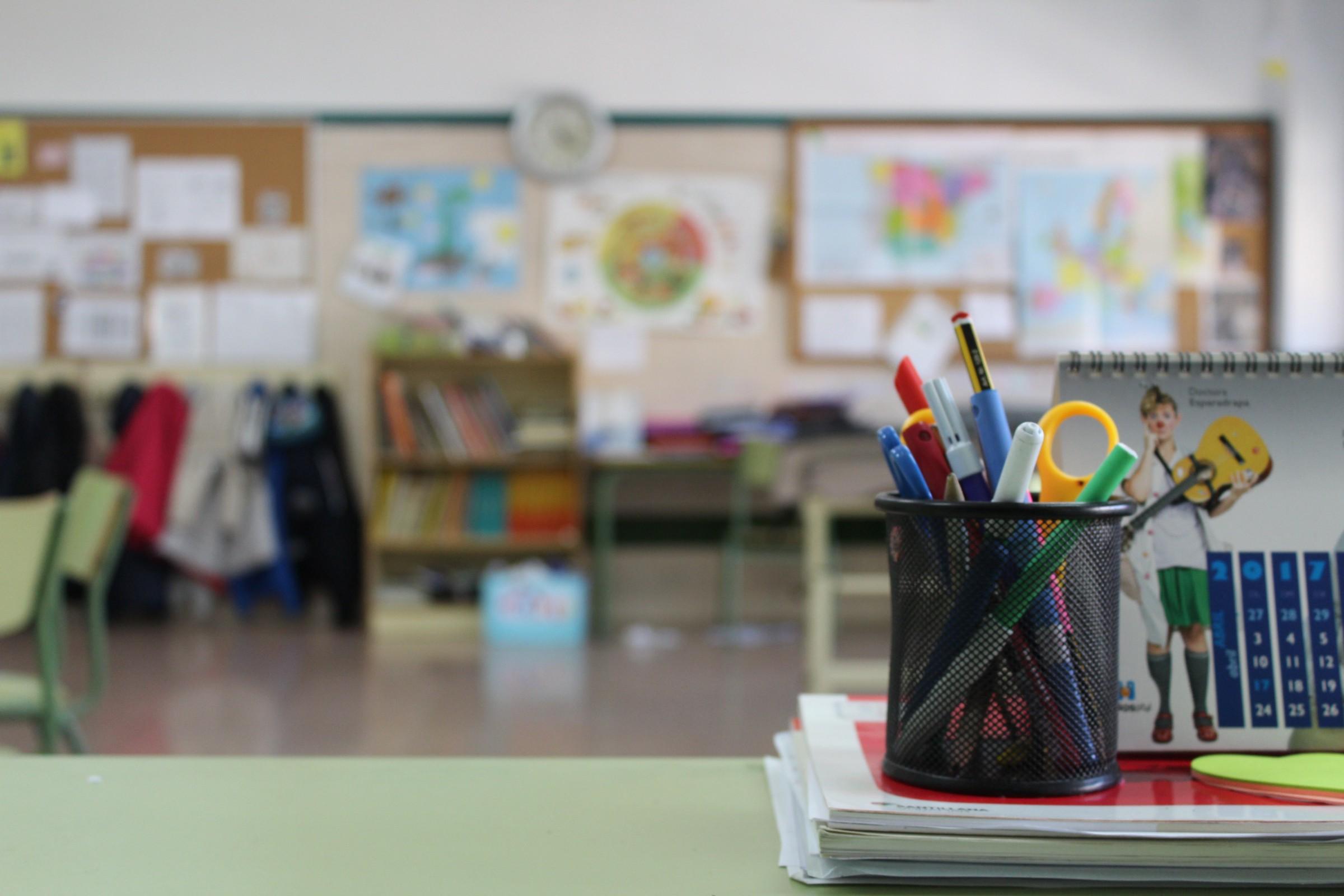 /open-source-in-schools-pros-cons-ec930ce8689d feature image