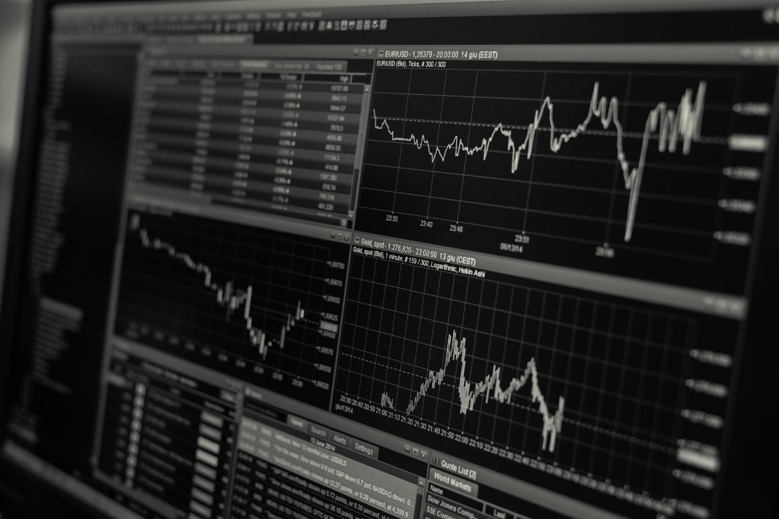 /evaluating-crypto-portfolio-performance-based-on-asset-market-capitalization-2a216f179276 feature image