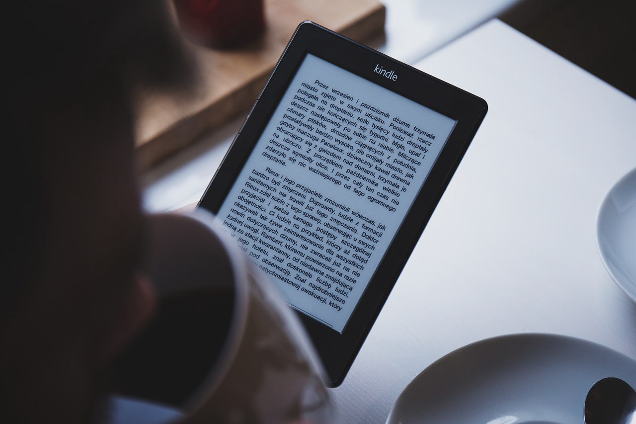/7-interesting-books-about-hacking-to-read-this-year-c951e6f638b0 feature image