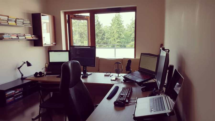 /effective-remote-work-you-need-a-separate-office-space-d2365ccc07b6 feature image