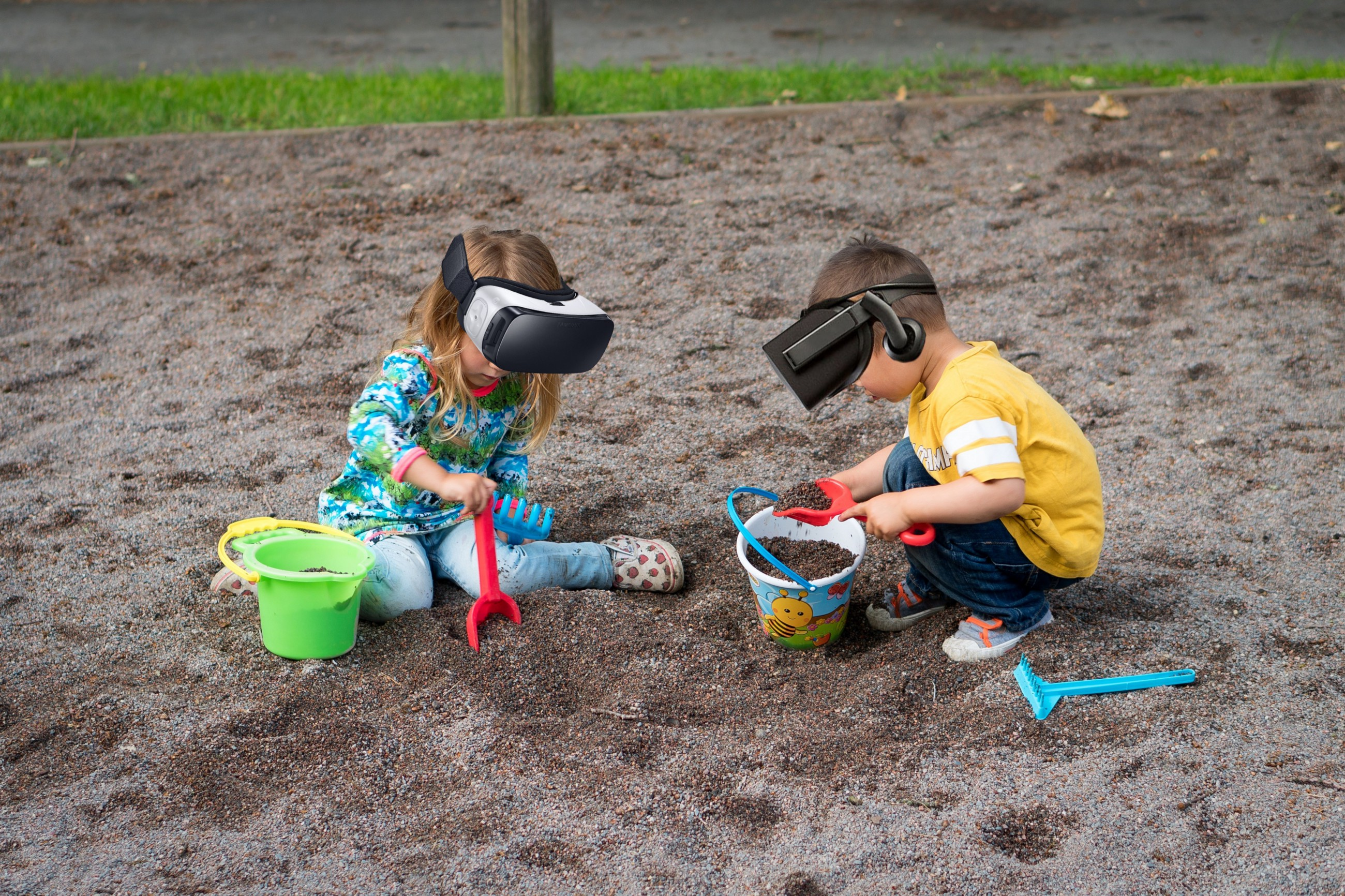 /social-vr-yup-were-toddlers-again-back-to-parallel-play-14aa94a499c0 feature image