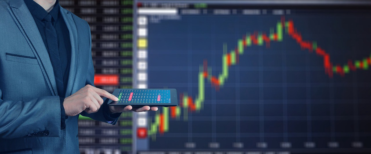 /trading-strategies-choosing-the-right-one-9e089b5d0132 feature image