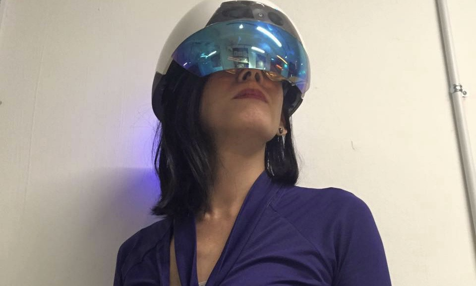 /morph-into-an-augmented-human-worker-with-daqris-intel-powered-smart-helmet-d4449920d2 feature image