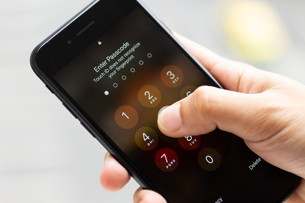 /a-straightforward-guide-to-keep-your-smartphone-data-safe-6b8f6b5fddc0 feature image
