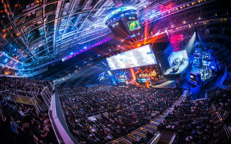 /who-is-investing-in-esports-startups-by-stephen-hays-of-deep-space-ventures-1efa7a55a60a feature image