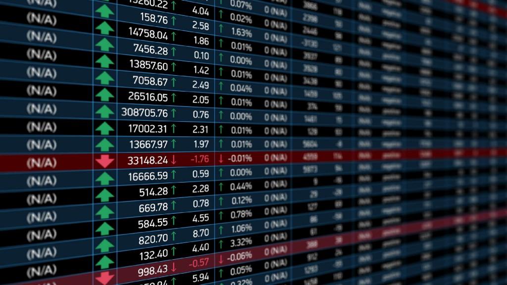 /stock-market-prediction-clustering-32e59bf61ff2 feature image