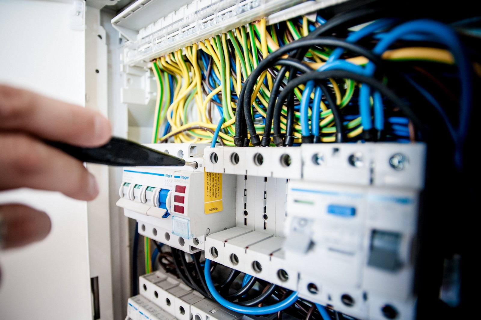 /want-a-career-in-fiber-optics-heres-where-to-start-d6a12d7f9834 feature image