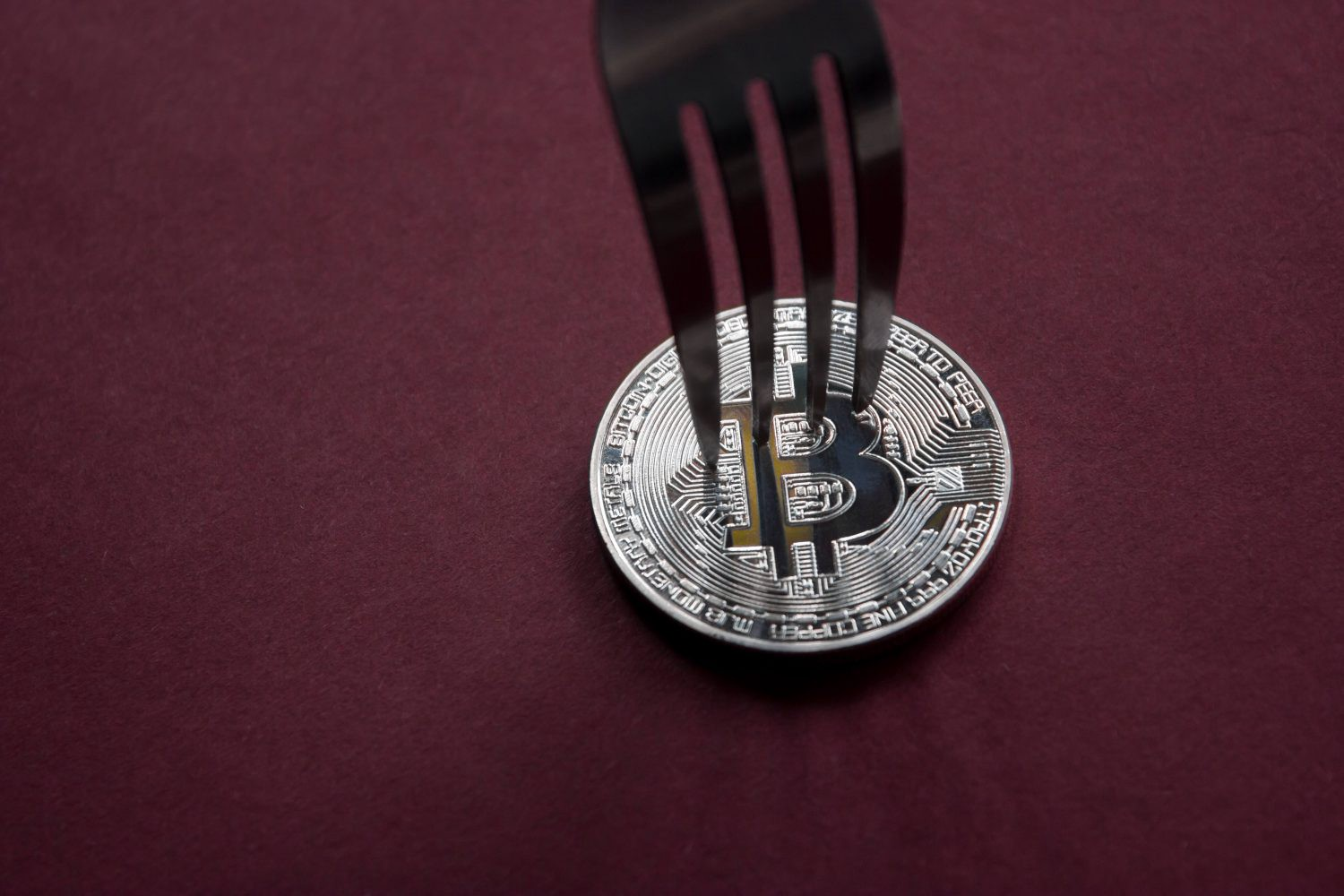 /no-more-2x-bitcoin-hard-fork-cancelled-due-to-lack-of-consensus-dca8775c3434 feature image