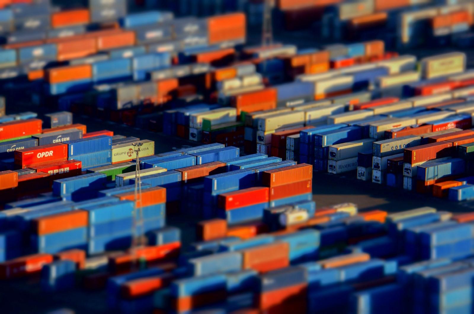 /build-a-crud-api-with-mongodb-express-and-docker-70510c6f706b feature image