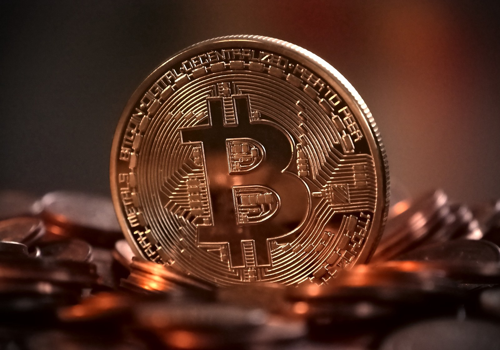 /the-industry-life-cycle-making-a-strong-case-for-bitcoin-maximalism-6bfa4a437a41 feature image