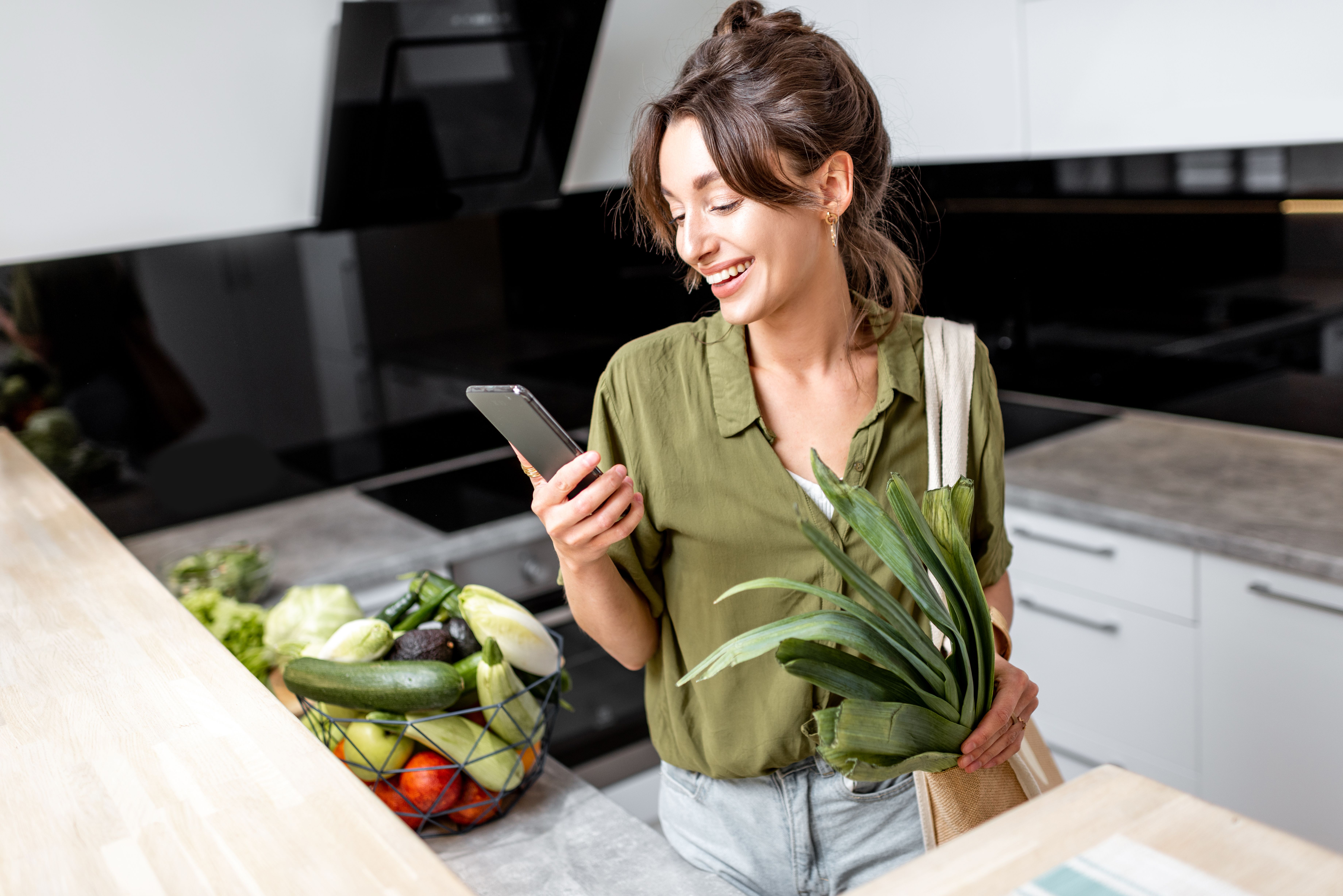/egrocery-apps-can-help-connect-buyers-with-farmers-542c37fo feature image