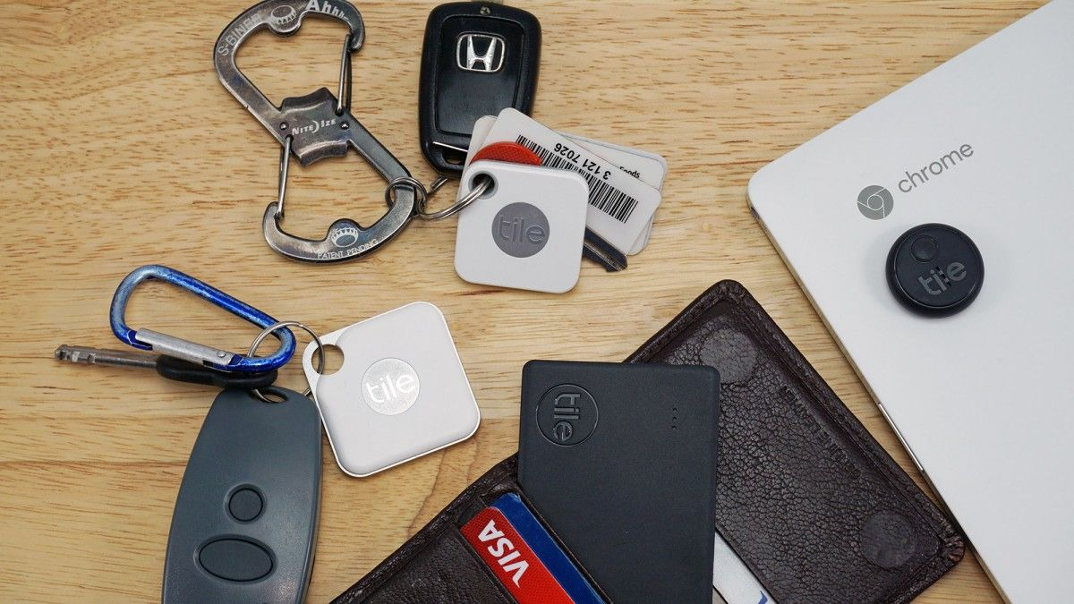 /bluetooth-trackers-vs-gps-trackers-whats-the-difference-vlx334e feature image