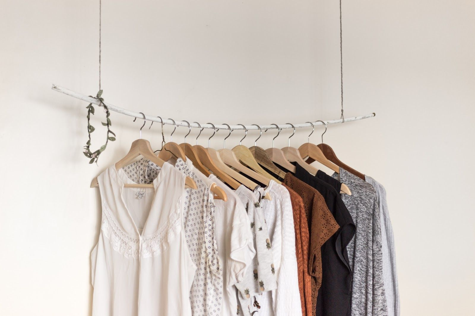 /5-ways-to-drive-more-traffic-and-sales-to-your-clothing-and-apparel-store-7h3v35m0 feature image