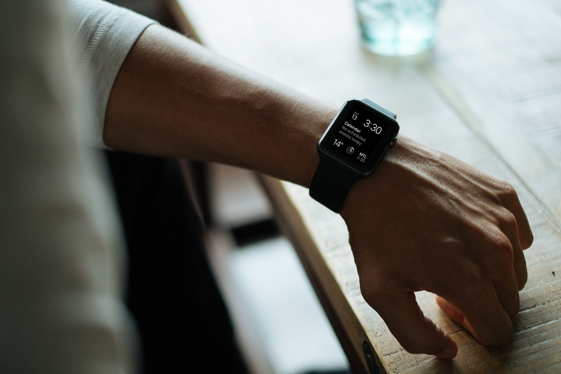 /top-5-best-health-tracking-smartwatches-in-2021-ye6u336c feature image