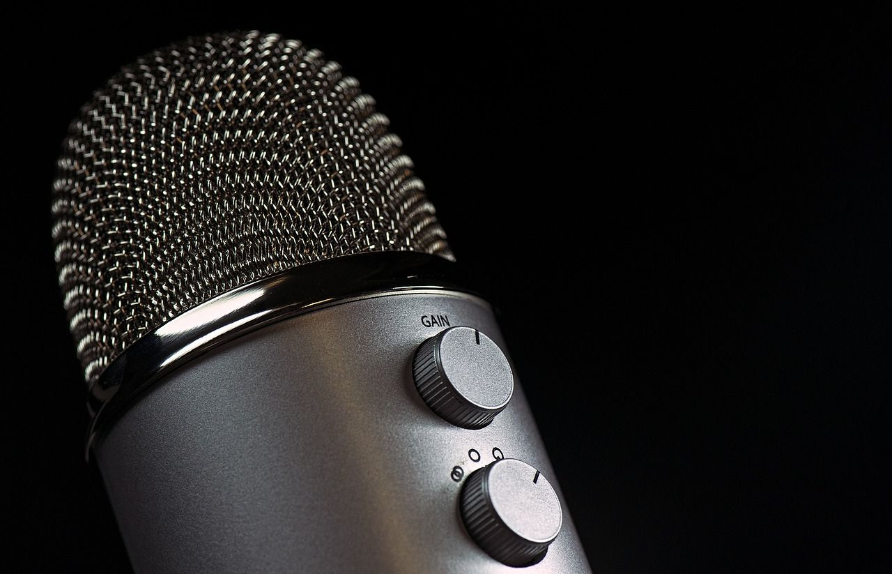 /3-software-engineering-podcasts-you-didnt-know-you-needed-6h7l315w feature image