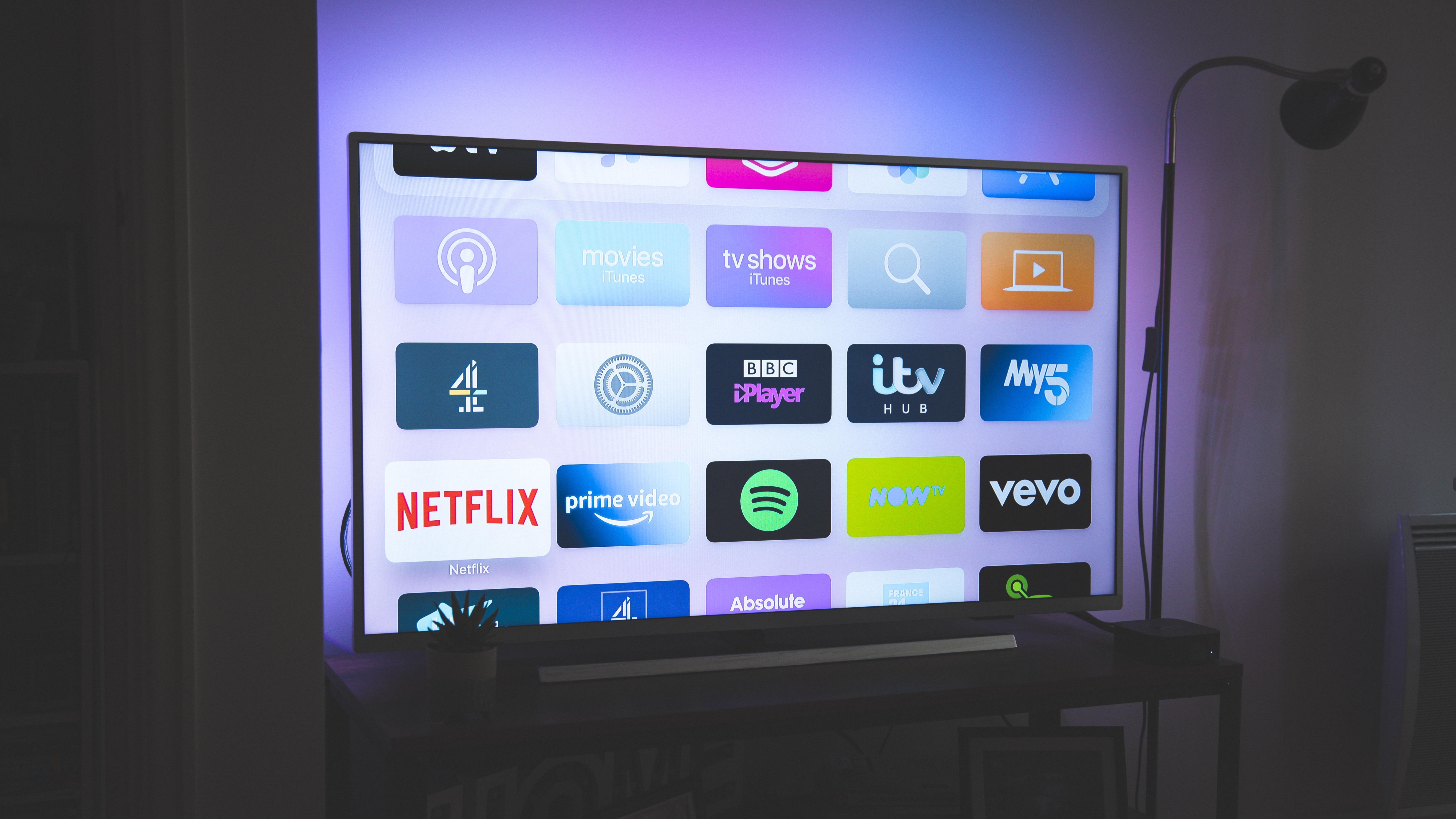 /how-to-jailbreak-your-amazon-firestick-in-2021-0t1y353g feature image